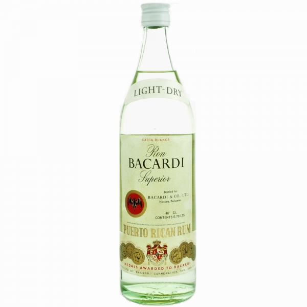 bacardi_superior_07l_light_dry_40_vol.jpg