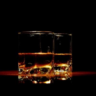Rum_vs_Whiskey.jpg